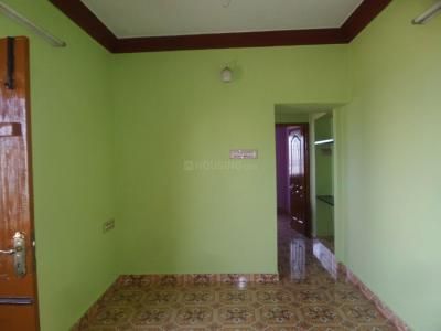 Gallery Cover Image of 700 Sq.ft 2 BHK Independent Floor for rent in Mugalivakkam for 8000
