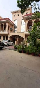 Gallery Cover Image of 1826 Sq.ft 3 BHK Villa for rent in Amrapali Leisure Valley, Noida Extension for 20000