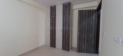 Gallery Cover Image of 850 Sq.ft 3 BHK Apartment for buy in Sector 110 for 4400000