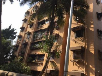 Gallery Cover Image of 800 Sq.ft 2 BHK Apartment for rent in Bandra East for 47000