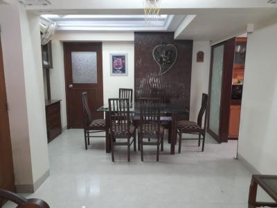 Gallery Cover Image of 1550 Sq.ft 3 BHK Apartment for buy in Hari Preet Apartment, Santacruz West for 47500000