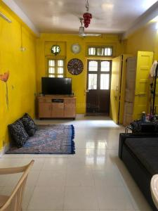 Gallery Cover Image of 1020 Sq.ft 2 BHK Apartment for buy in Kamathipura for 15000003