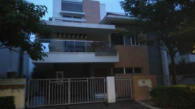 Gallery Cover Image of 4000 Sq.ft 4 BHK Villa for buy in Aparna Hill Park Lake Breeze, Ramachandra Puram for 36000000