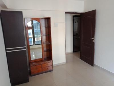 Gallery Cover Image of 990 Sq.ft 2 BHK Apartment for rent in Kandivali East for 27000