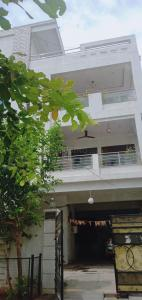 Gallery Cover Image of 1650 Sq.ft 3 BHK Independent Floor for rent in LB Nagar for 18000