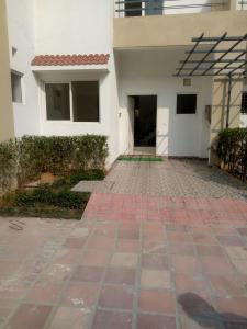 Gallery Cover Image of 900 Sq.ft 2 BHK Independent House for rent in Eta 1 Greater Noida for 8000