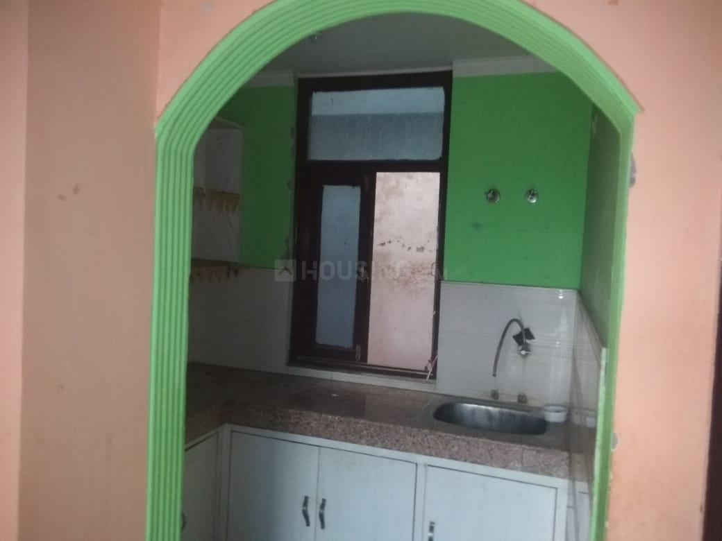 Kitchen Image of 450 Sq.ft 1 BHK Independent Floor for rent in Chhattarpur for 8500