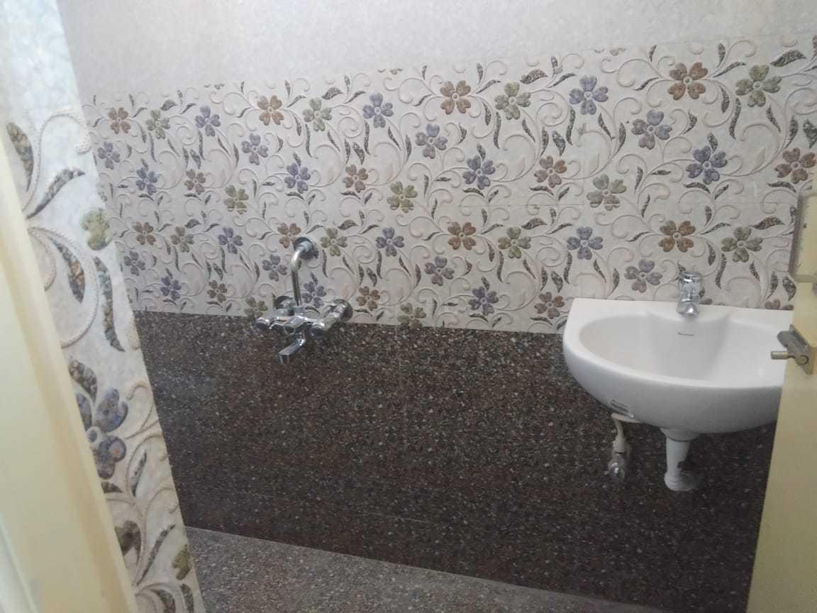 Common Bathroom One Image of 1200 Sq.ft 3 BHK Independent House for buy in Veppampattu for 4000000