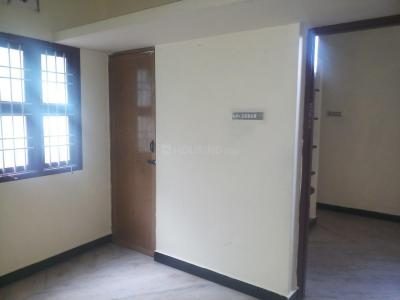 Gallery Cover Image of 650 Sq.ft 1 BHK Independent House for rent in Kolathur for 8500