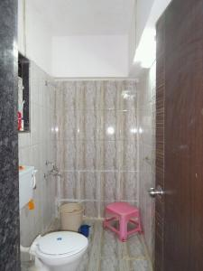 Gallery Cover Image of 980 Sq.ft 2 BHK Apartment for buy in Parel for 27000000