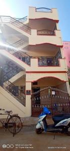 Gallery Cover Image of 500 Sq.ft 2 BHK Independent House for rent in Abbigere for 8500