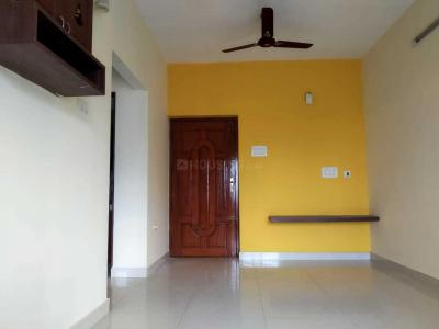 Gallery Cover Image of 1150 Sq.ft 3 BHK Apartment for buy in Velachery for 11000000