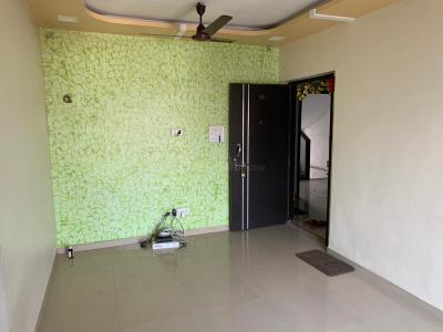 कमनवाला मानवस्थल, मलाड वेस्ट  में 9200000  खरीदें  के लिए 9200000 Sq.ft 1 BHK अपार्टमेंट के हॉल  की तस्वीर