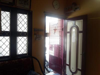 Gallery Cover Image of 650 Sq.ft 1 BHK Independent House for buy in Pazhavanthangal for 10000000