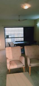 Gallery Cover Image of 1250 Sq.ft 3 BHK Apartment for rent in Mittal Phoenix Towers, Lower Parel for 140000