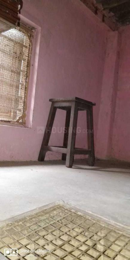 Bedroom Image of 250 Sq.ft 1 RK Independent House for rent in Bandra East for 13000