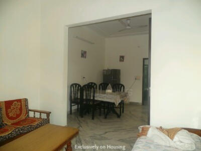 Gallery Cover Image of 810 Sq.ft 2 BHK Independent Floor for buy in Sector 10 DLF for 4500000