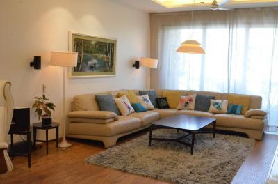 Gallery Cover Image of 2799 Sq.ft 4 BHK Independent Floor for buy in Safdarjung Enclave for 69500000