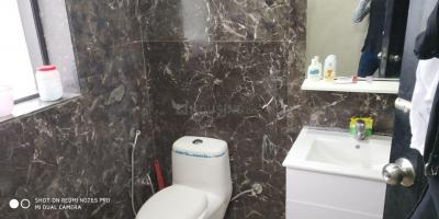 Common Bathroom Image of PG in DLF Phase 2