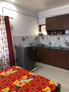 Gallery Cover Image of 250 Sq.ft 1 RK Apartment for buy in Sector 72 for 1300000