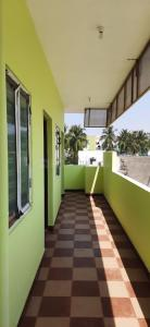 Gallery Cover Image of 430 Sq.ft 1 BHK Apartment for rent in Tatabad for 8000