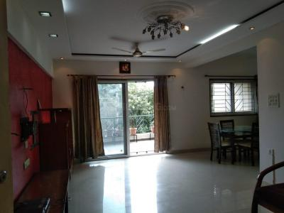 Gallery Cover Image of 1200 Sq.ft 2 BHK Apartment for rent in Magarpatta Roystonea, Magarpatta City for 24000