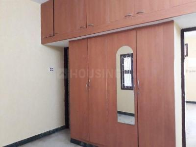 Gallery Cover Image of 900 Sq.ft 2 BHK Apartment for rent in Nungambakkam for 15600