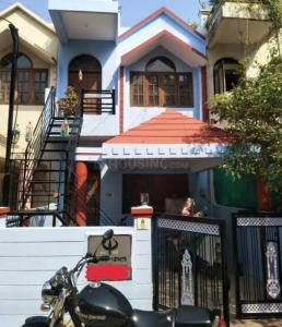 Gallery Cover Image of 2835 Sq.ft 5 BHK Independent House for rent in Naranpura for 115000