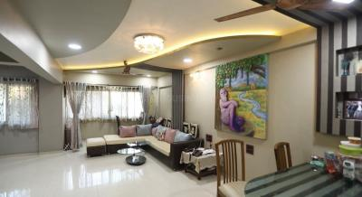 Gallery Cover Image of 1900 Sq.ft 4 BHK Apartment for rent in Lalani Velentine Apartment, Malad East for 75000