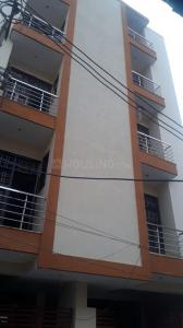 Gallery Cover Image of 600 Sq.ft 2 BHK Independent Floor for buy in Sector 105 for 2310000