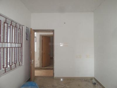 Gallery Cover Image of 640 Sq.ft 2 BHK Apartment for rent in Ayappakkam for 10000