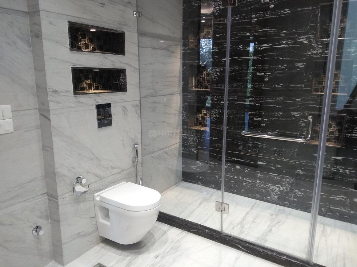 Common Bathroom Image of 9000 Sq.ft 5 BHK Independent House for buy in Sat Bari for 75000000