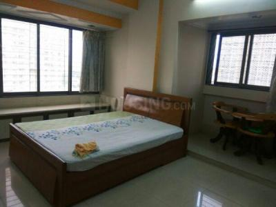 Gallery Cover Image of 1000 Sq.ft 2 BHK Apartment for rent in Parasmani Tower, Dadar East for 75000