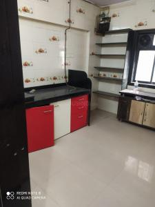 Gallery Cover Image of 452 Sq.ft 1 RK Apartment for buy in Thane West for 5100000