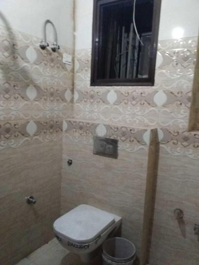 Common Bathroom Image of 310 Sq.ft 1 BHK Apartment for rent in Sector 12 for 7000