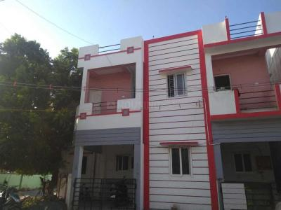 Gallery Cover Image of 750 Sq.ft 2 BHK Independent Floor for rent in Anakaputhur for 7500