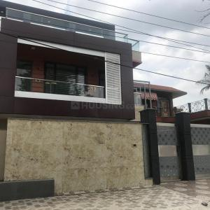 Gallery Cover Image of 4300 Sq.ft 5 BHK Independent House for buy in Sector 15A for 45000000