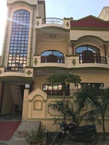 Gallery Cover Image of 1800 Sq.ft 2 BHK Independent House for rent in Defence Enclave for 8000