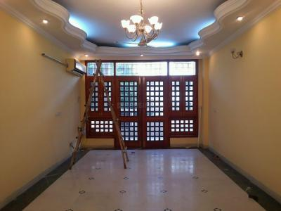 Gallery Cover Image of 1700 Sq.ft 3 BHK Independent Floor for buy in Vasant Kunj for 45000000
