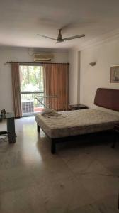 Gallery Cover Image of 1650 Sq.ft 2 BHK Apartment for rent in Diamond District, Domlur Layout for 50000