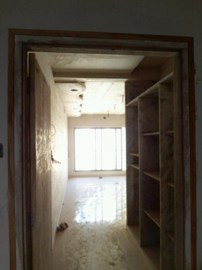 Main Entrance Image of 900 Sq.ft 2 BHK Apartment for buy in Malad West for 12000000