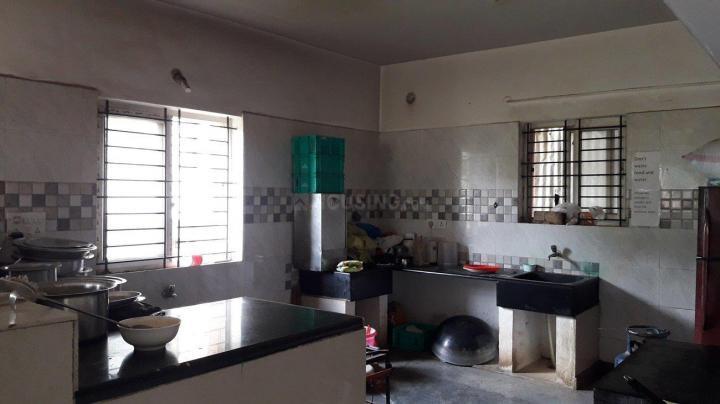इलेक्ट्रॉनिक सिटी में एसएलवी पीजी में किचन की तस्वीर