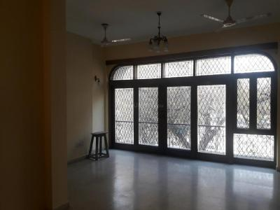 Gallery Cover Image of 1550 Sq.ft 2 BHK Independent Floor for buy in Sarvapriya Vihar for 27500000
