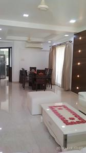 Gallery Cover Image of 1750 Sq.ft 3 BHK Apartment for rent in Khar West for 240000