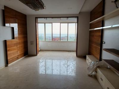 Gallery Cover Image of 2000 Sq.ft 3 BHK Apartment for buy in Nanik Niwas, Cumballa Hill for 100000000