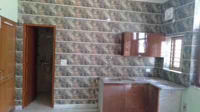 Gallery Cover Image of 450 Sq.ft 1 BHK Independent Floor for rent in Green Field Colony for 7000