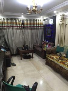 Gallery Cover Image of 1100 Sq.ft 2 BHK Apartment for rent in Andheri West for 51000