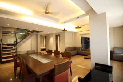 Gallery Cover Image of 3000 Sq.ft 3 BHK Independent Floor for rent in Bandra West for 425000