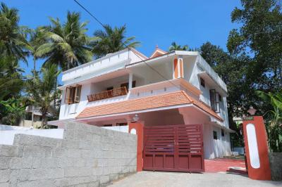 Gallery Cover Image of 2100 Sq.ft 4 BHK Independent House for buy in Sreekariyam for 9000000