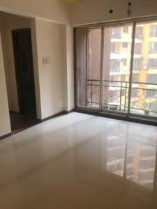 Gallery Cover Image of 685 Sq.ft 1 BHK Apartment for rent in Malad West for 25000